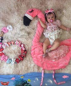 Monthly Baby Photos, Baby Monthly Milestones, Baby Girl Photos, Newborn Pictures, Baby Pictures, Foto Baby, Newborn Baby Photography, Cute Baby Girl, Baby Boy Fashion