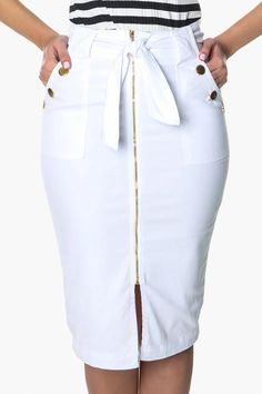 Skirt Outfits Modest, Casual Skirts, Casual Outfits, Plus Size Fashion For Women, Trendy Fashion, Love Fashion, African Shirts For Men, Bollywood Girls, Jumpsuit With Sleeves