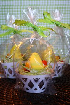 Great Favor Idea for Easter! DIY Easter Peep Cakes