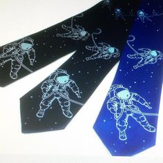 Out of this world necktie 'Astronaut' from projector.etsy.com #wedding #groomsmen #groom #bride #tie #necktie #geek #USA #astronaut #cosmonaut #space #outerspace #galaxy #star wars #star trek #planets #astronomy #astrology #moon #landing #space shuttle #sci-fi #punk #rock #goth #emo #indie #alternative #stars #solar system #Etsy #EtsyUK
