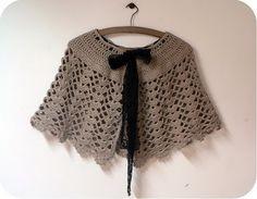 un joli tuto - MD la cigale butineuse Crochet Cape, Crochet Cardigan Pattern, Crochet Shawl, Knit Crochet, Knitted Shawls, Crochet Scarves, Crochet Designs, Crochet Patterns, Poncho Shawl