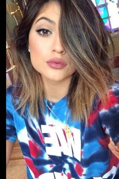 Kylie Jenner makeup. I don't know what lip color this is, but I'm pretty sure I NEED it.