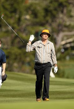 Bill Murray is so over this golf club that he can't even hold it. | 20 People Who Are So Totally Over This S#%t