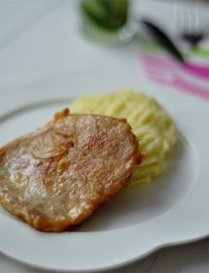 Otthoni klasszikus Anyukám évtizedes receptje alapján. Ráadásul a fokhagymás húsnak van a legjobb zsírja a világon. Kevés hozzávalóból, néhány lépésben, könnyen elkészíthető. Meat, Cooking, Food, Kitchen, Essen, Meals, Yemek, Brewing, Cuisine