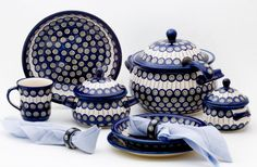 We never get enough of traditional patterns :) Zakłady Ceramiczne, Polish pottery. You can click to enlarge