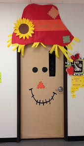 One of the perks of being home room mom is getting to decorate the classroom door. Halloween Classroom Door, Fall Classroom Decorations, Halloween Door Decorations, Classroom Crafts, School Decorations, Thanksgiving Classroom Door, Preschool Door Decorations, Thanksgiving Door Decorations, Fall Crafts