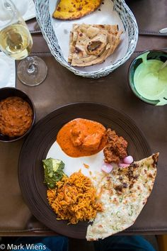 Image via We Heart It #curry #garlic #indianfood #naan #rice #thaifood