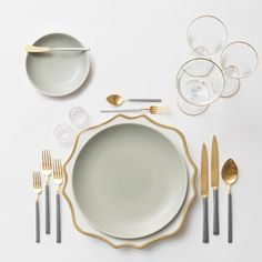 Anna Weatherley Chargers in White/Gold + Heath Ceramics in Mist + NEW two-toned Axel Flatware in 24k Gold/Brushed Silver finish + Gold Rimmed Stemware + Antique Crystal Salt Cellars | Casa de Perrin Design Presentation