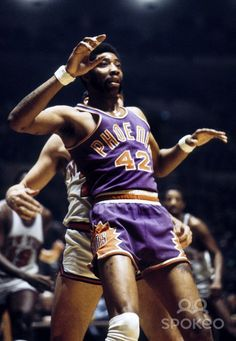 Connie Hawkins with Phoenix Suns