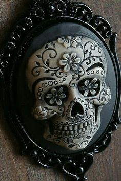 Day of the Dead Sugar Skull Cameo Necklace. Black Chain : Black Setting : Black Length : 18 inches Cameo Size : / 1 in x 1 in Tattoo Crane, Arte Latina, Sugar Skull Art, Sugar Skulls, Candy Skulls, Day Of The Dead Skull, Cameo Necklace, Skull Jewelry, Jewellery