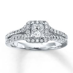 Diamond Engagement Ring 7/8 ct tw Princess-cut 14K White Gold - Absolutely in LOVE with this ring! :D
