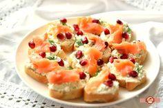 Aperitive festive cu somon Bruschetta, Cantaloupe, Seafood, Fruit, Ethnic Recipes, Sea Food, Seafood Dishes