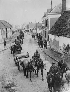WWI, 9 May 1917, Battle of Arras, Transport column of the 1st Newfoundland Regiment marching back to their billets after action at Monchy-le-Preux (13 April 1917) and Les Fosses Farm (23 April 1917). Berneville.©IWM Q 5351