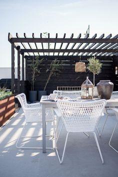 #patio #dakterras #rooftop #terrace #mediterraan #olijfboompje www.leemconcepts.nl