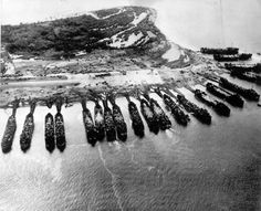 landing ship tanks are seen from above as they pour military equipment onto the shores of Leyte island, to support invading forces in the Philippines, 1944 (AP Photo) History Online, World History, Leyte, Pearl Harbor Attack, Ww2 Photos, Navy Ships, Military Equipment, American Civil War, American Soldiers