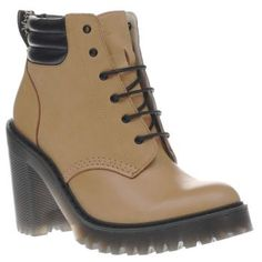 Dr Martens Tan Seirene Persephone 6-eye Womens Put a bass in your walk with the Seirene Persephone 6-Eye boot from Dr Martens. Crafted in premium tan leather, the upper features a contrasting padded ankle collar in black, sitting on top of a sturd http://www.MightGet.com/january-2017-13/dr-martens-tan-seirene-persephone-6-eye-womens.asp
