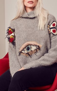 Tuinch Embroidered Turtleneck Sweater