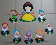 Caja fichas pedagógicas Cat Crafts, Diy And Crafts, Crafts For Kids, Paper Crafts, Disney Princess Babies, Snow White Birthday, Disney Images, School Decorations, Tole Painting