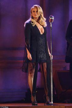 Miranda Lambert has a wardrobe change at the CMA Awards Miranda Lambert 2017, Miranda Lambert Bikini, Blake Shelton Miranda Lambert, Miranda Lambert Photos, Taylor Swift Hot, Cma Awards, Country Singers, Country Musicians, Country Artists