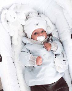 baby, family, and white image Cute Little Baby, Baby Kind, Little Babies, Cute Babies, Funny Babies, The Babys, Foto Baby, Cute Baby Pictures, Baby Family