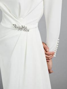 Abito in cady, bianco Muslim Wedding Gown, Muslimah Wedding Dress, Wedding Gowns, Dress Muslimah, Hijab Evening Dress, Evening Dresses, Prom Dresses, Formal Dresses, Gaun Dress