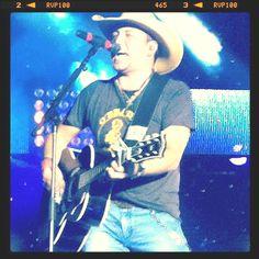 Jason Aldean concert ! LOVE him !