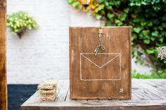 Een leuke diy brievenbus voor op je bruiloft  #trouwtrendy