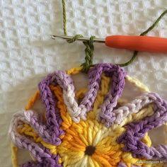 Flor contornada passo a passo | Croche.com.br