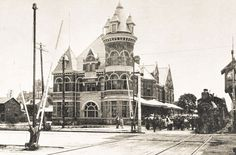 The Toronto, Hamilton and Buffalo Railway (TH) existed from 1894 to Based in Hamilton, the old station was at the corners of James and Hunter, with the track running at ground-level. Hamilton Ontario Canada, Tear Down, The Old Days, Architecture, Old Photos, Barcelona Cathedral, Belgium, Toronto, Old Things