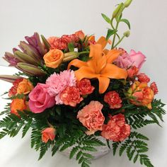 #centerpiece #roses #lilies #carnations