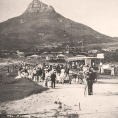 Electric Tram leaving Camps Bay for Cape Town 1902 Old Pictures, Old Photos, Desert Life, Cape Town South Africa, Outdoor Camping, Camping Tips, Most Beautiful Cities, African History, The Great Outdoors