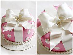 Polka dot bow cake