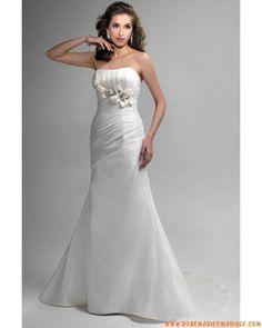 Robe fourreau sans bretelle perlée fleur fait à la main satin  robe de mariée