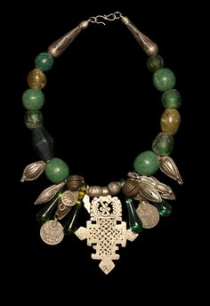 Marion Hamilton - Custom Necklaces • One-of-a-kind Jewelry with Contemporary Beads