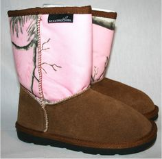 Pink Realtree booties! ♥ Have to have!!