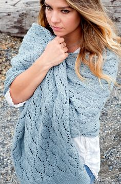Designer Veronika Jobe released a lovely new free pattern on Ravelry this week! Shells & Tide combines broken rib and a traveling lace shell motif in a large and squishy rectangular wrap knit w… Loom Knitting Patterns, Shawl Patterns, Lace Knitting, Knitting Tutorials, Vintage Knitting, Stitch Patterns, Knitted Poncho, Knitted Shawls, Knit Or Crochet