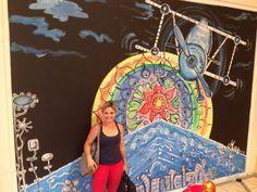 pintura mural sobre cristal . centro comercial el reston en valdemoro