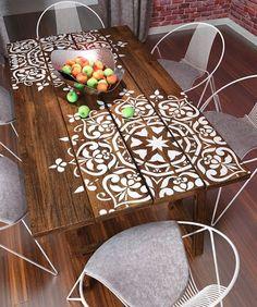 Mesas de Jantar com tampo decorado com estêncil (*DECORAÇÃO e INVENÇÃO*)