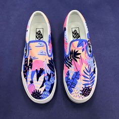 These Vans were created by Vans Custom Culture ambassador Kim Sielbeck to inspire this year's participants. We can't wait to see what each school creates. Vans Sneakers, Tenis Vans, Sneakers Mode, Girls Sneakers, Vans Girls, Girls Shoes, Surf Girls, Shoes Women, Vans Women