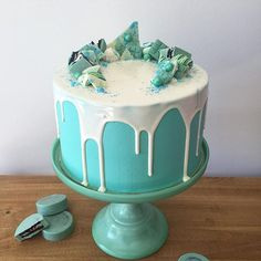 • Aqua Cake • Adentro degradé de colores aqua... Pedidos y consultas…
