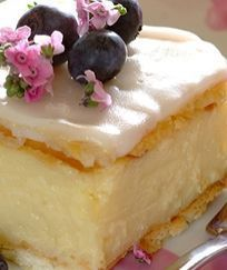 Custard slices with cream crackers Tart Recipes, Sweet Recipes, Baking Recipes, Dessert Recipes, Dessert Food, Kos, Just Desserts, Delicious Desserts, Yummy Food
