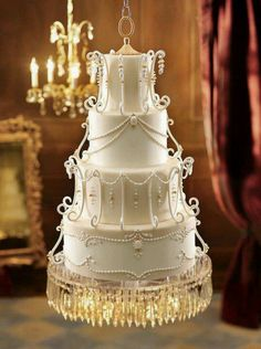 I can SO see myself having a Chandelier Cake!