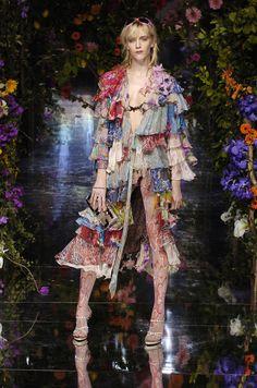Dolce & Gabbana at Milan Spring 2004