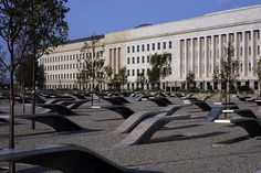September 11 Pentagon Memorial is a memorial to the 184 people who died in the Pentagon and flight 77 on 911 Memorial, Washington Dc Travel, Modern History, Pearl Harbor, September 11, Looks Cool, Places Ive Been, Around The Worlds, Street Furniture