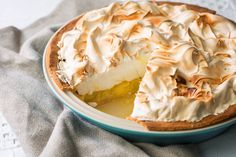 This is the ultimate lemon meringue pie recipe. The classic blend of zesty lemon curd and crispy meringue are a match made in heaven. Great British Chefs, Great British Bake Off, Lemon Meringue Pie, Lemon Curd, Easy Pie Recipes, Yummy Recipes, Italian Chef, Sweet Pastries, Orange Recipes