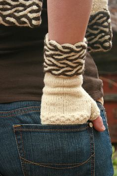 Yarn Thing Designs: a division of Yarnsports LLC. -  - Dual Cable Fingerless Gloves