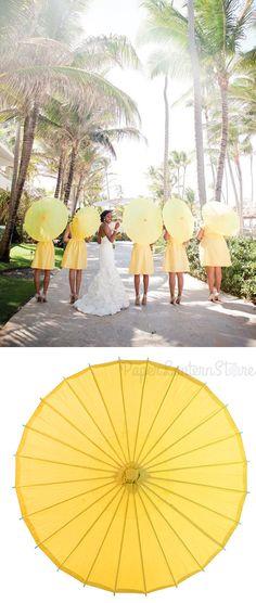 Perfect look for a summer wedding. Parasols! #Wedding #ideas #paperlanternstore