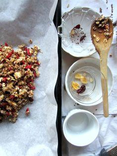 blackberry eats - my home-made granola