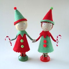 Idea for Christmas Elf clothes peg dolls :-)