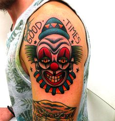 Old school clown tattoo shop Tattoo Como Vittoria Studio di Tatuaggi Como Vittoriatattoo-Tattoos by Vittoria Lo studio di tatuaggi è situato nel centro storico di Como via alessandro volta 49 22100 como